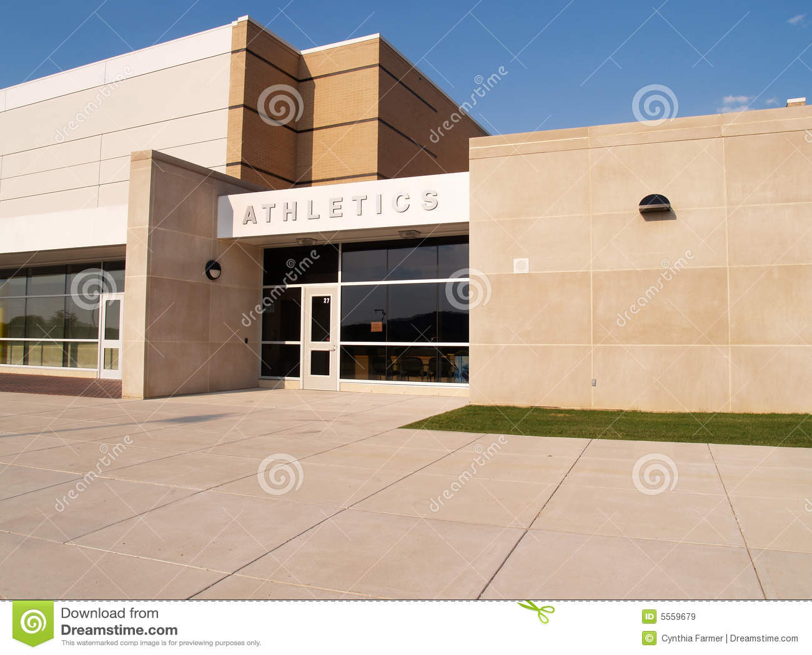 De ingang van de atletiek voor een school royalty vrije stock afbeeldingen afbeelding 5559679 - Ingang van een huis ...