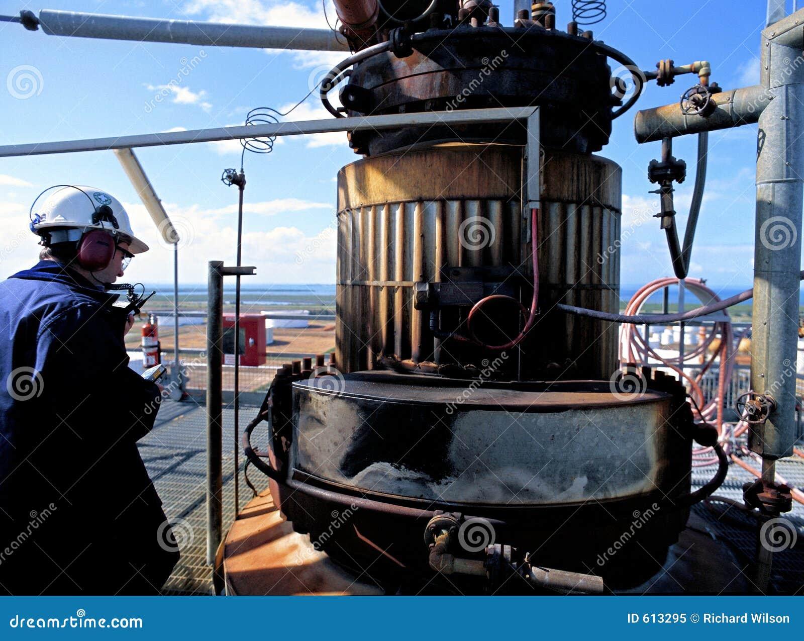 De Inspecteur van de Veiligheid van de Raffinaderij van de olie
