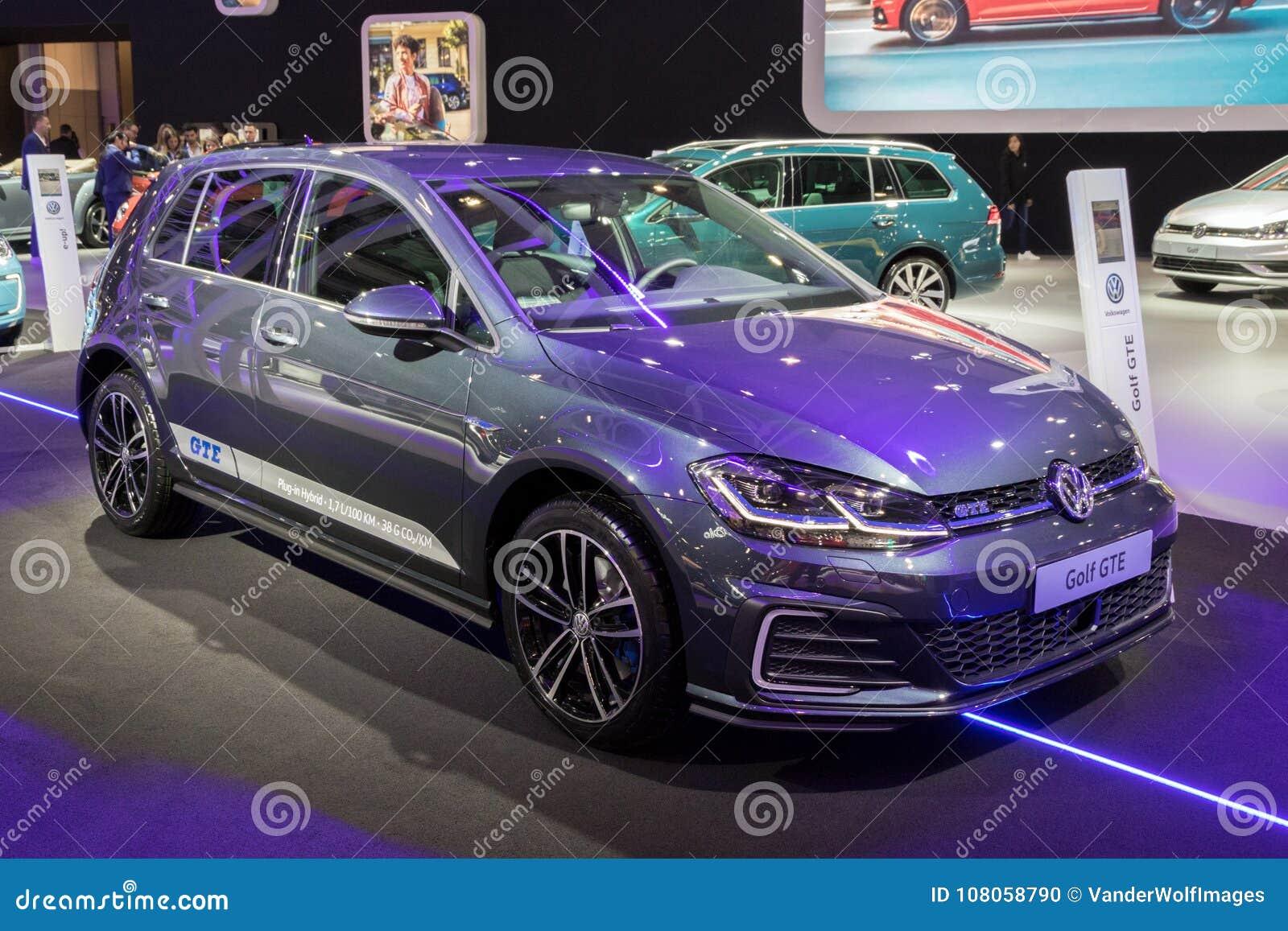 De Insteek Hybride Auto Van Volkswagen Golf Gte Redactionele