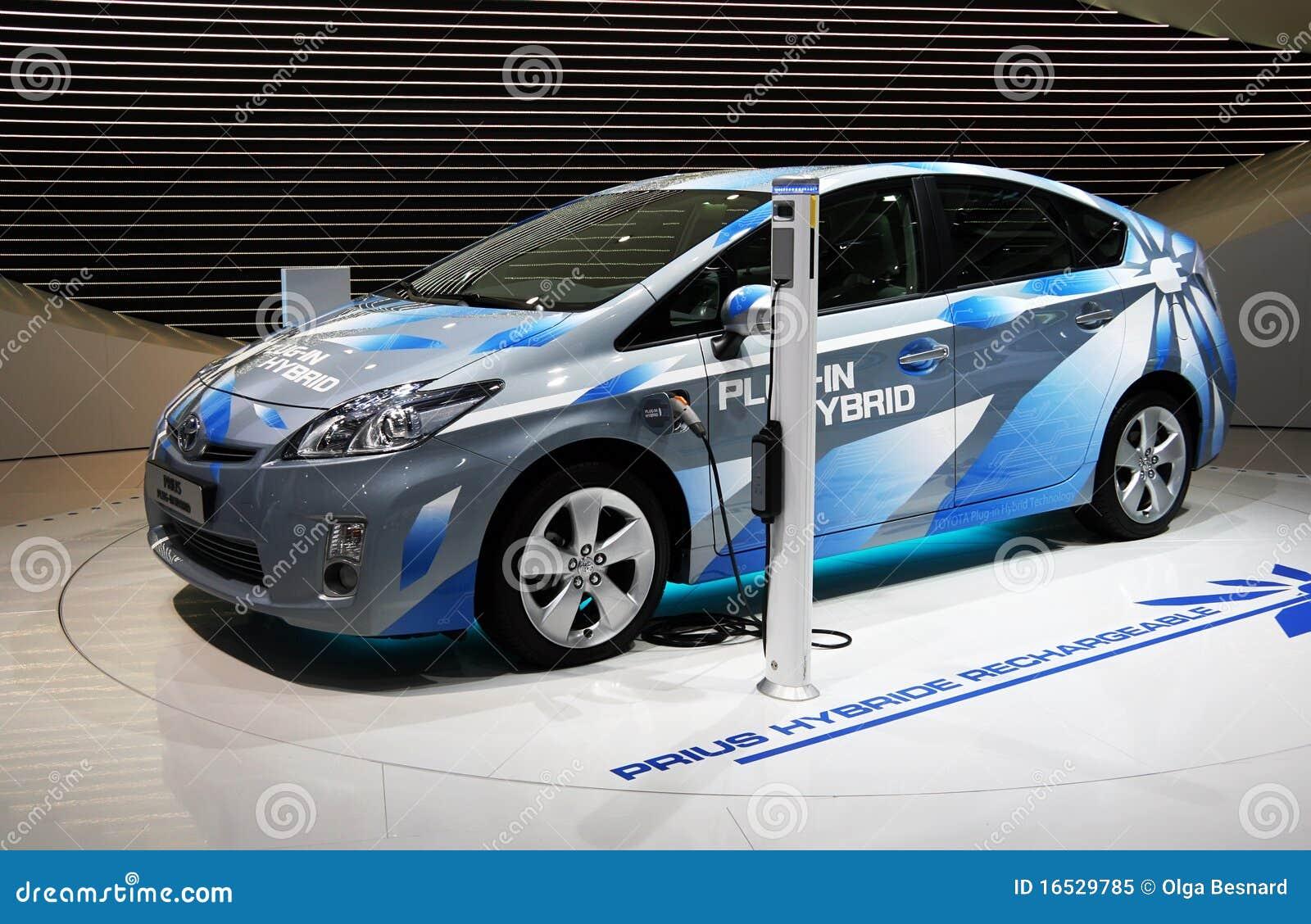 De InsteekHybride van Toyota Prius bij de Show van de Motor van Parijs