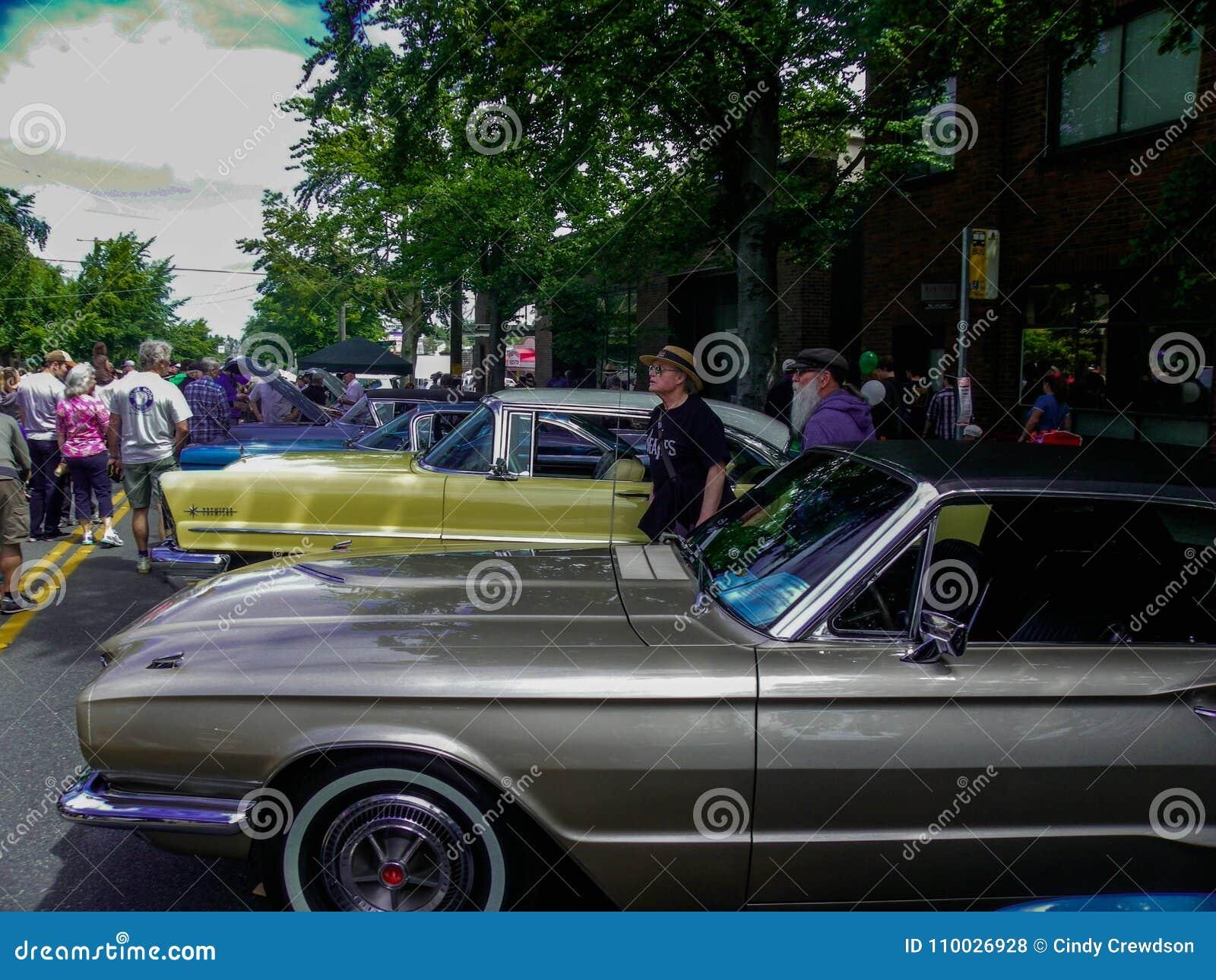 De jaarlijkse auto toont bij Groen Meer, Washington