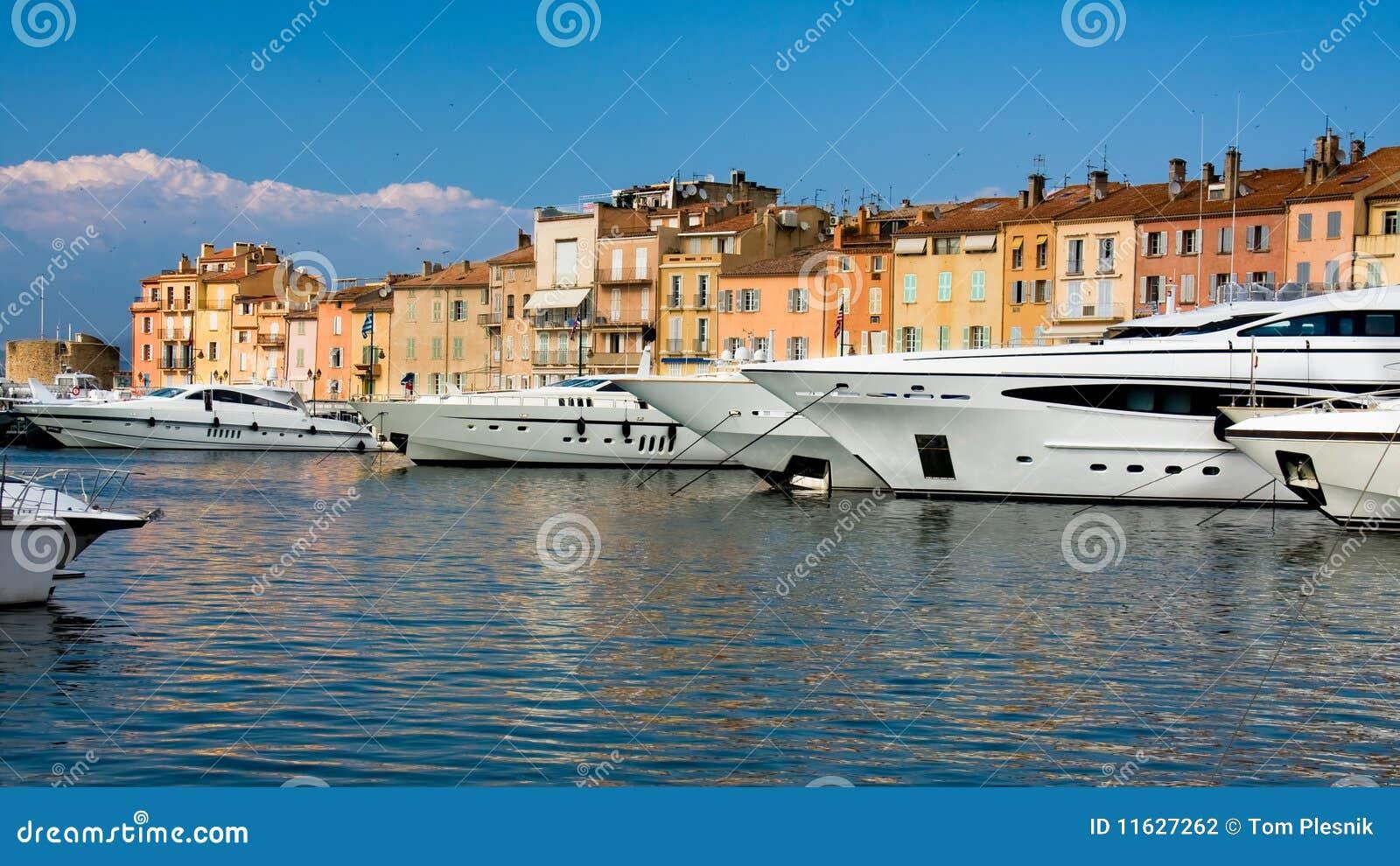 De jachten van de luxe in heilige-Tropez