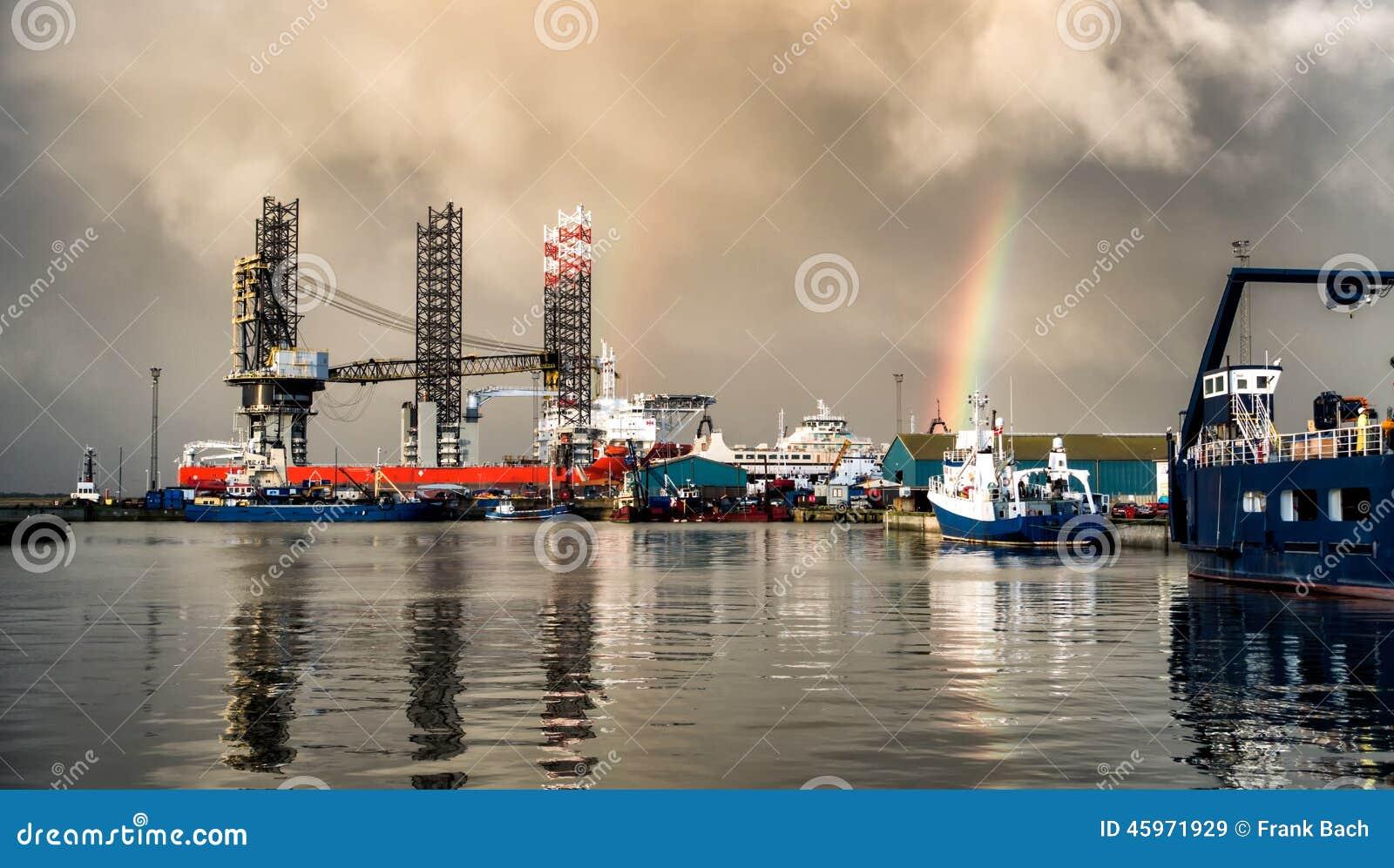 De Jack equipamento acima no porto do óleo de Esbjerg, Dinamarca