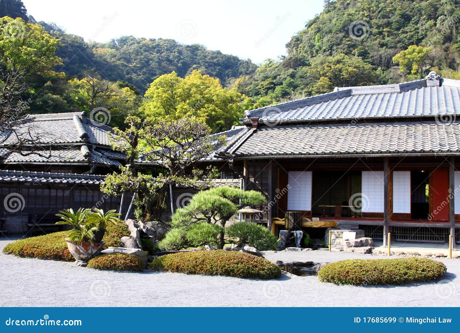 De japanse tuin en het huis royalty vrije stock afbeeldingen afbeelding 17685699 - Huis in de tuin ...