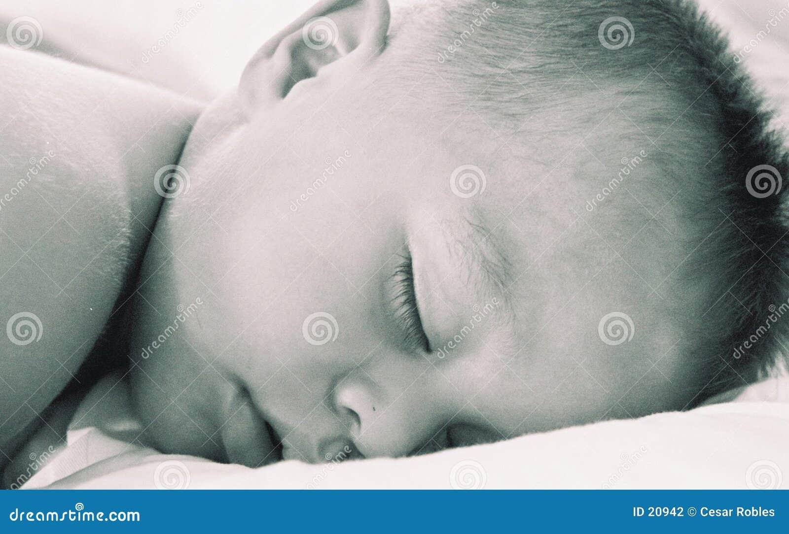 De jongen van de slaap