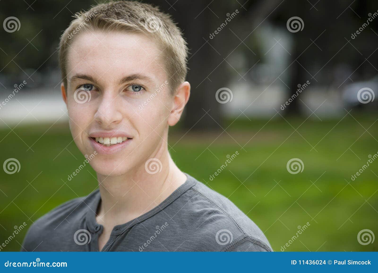 De jongen van de tiener stock foto afbeelding bestaande uit leisure 11436024 - Opslagkast ruimte van de jongen ...