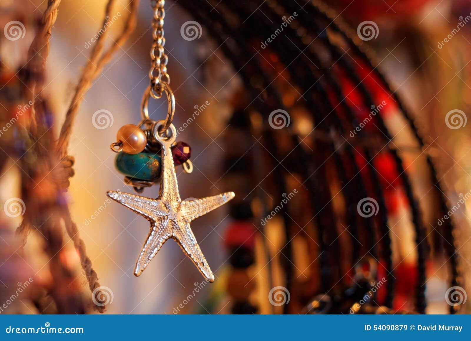 De Juwelen van de zeesterhalsband