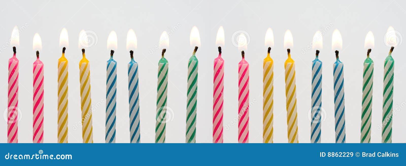 De kaarsbanner van de verjaardag