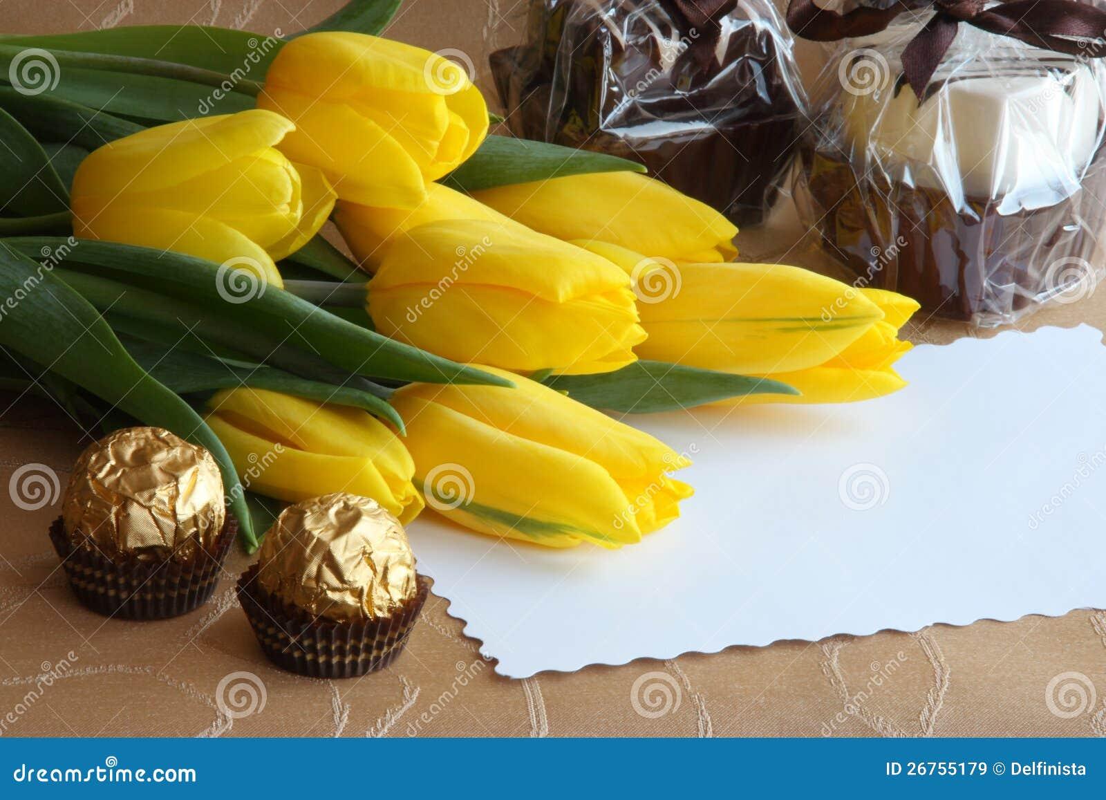 De Kaart van de Gift van de Tulpen van de Dag van valentijnskaarten - de Foto van de Voorraad