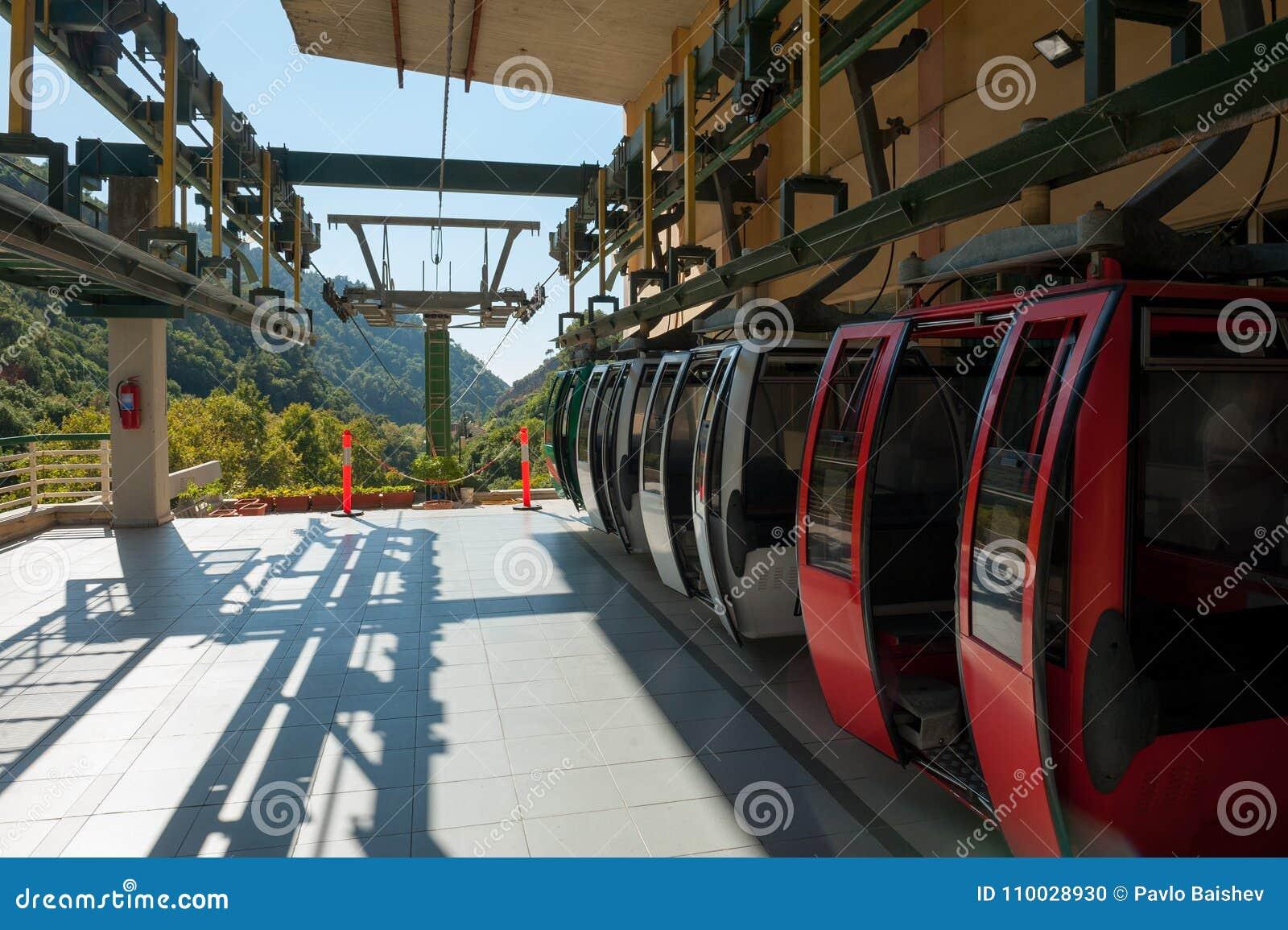 De kabelbaan van de Jeitagrot