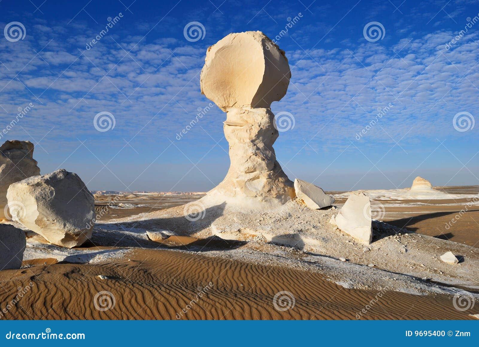 De kalksteenvorming in de woestijn