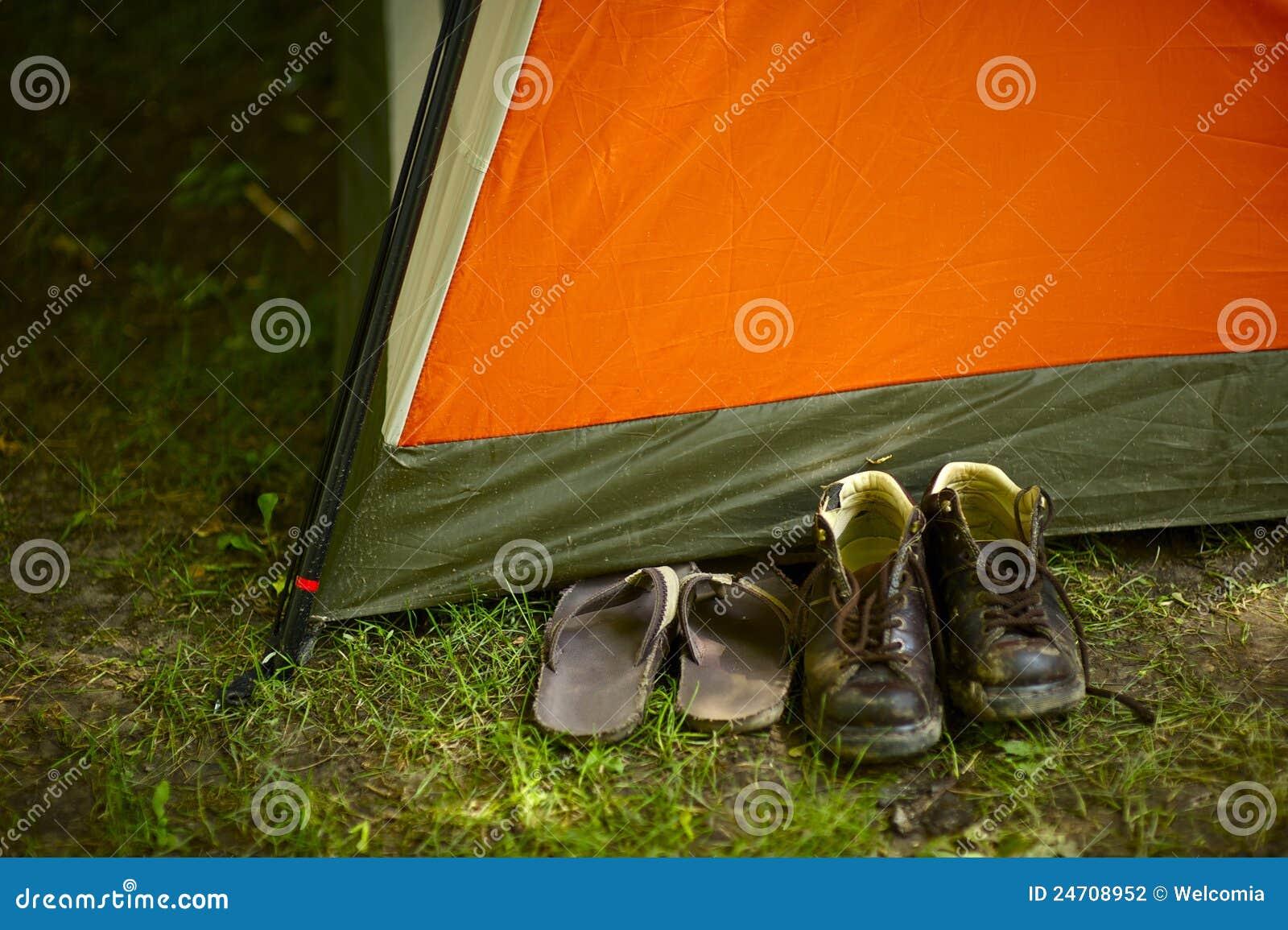 De kampeerauto s