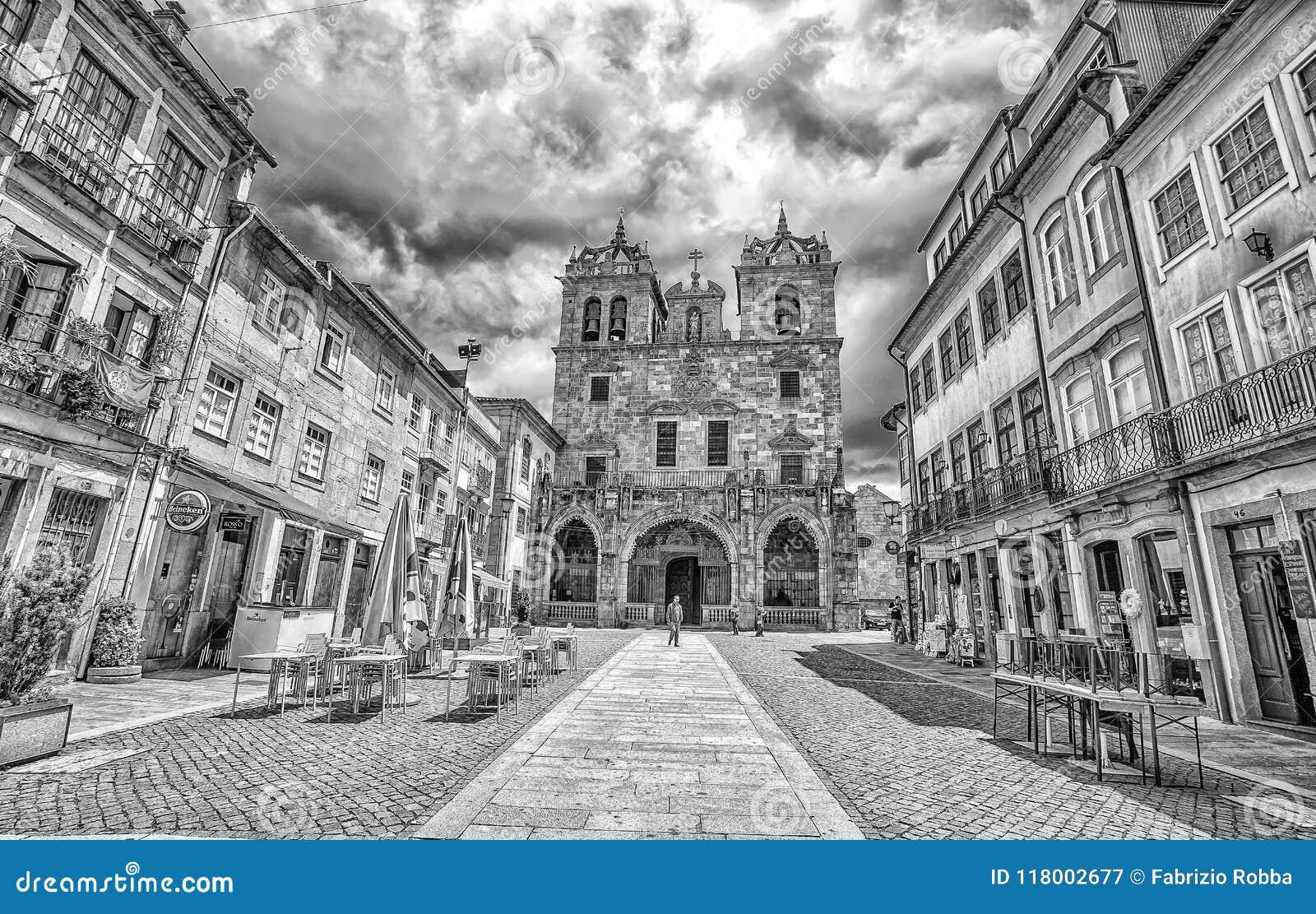 De Kathedraal van Braga in stads historisch centrum, Portugal