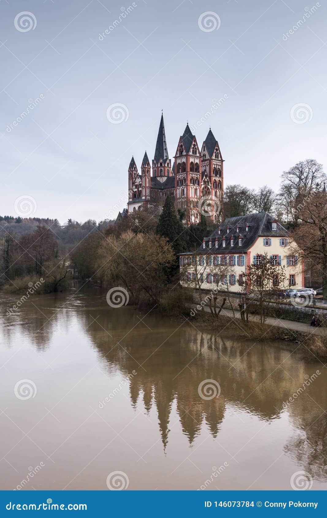 De Kathedraal van Limburg, Duitsland
