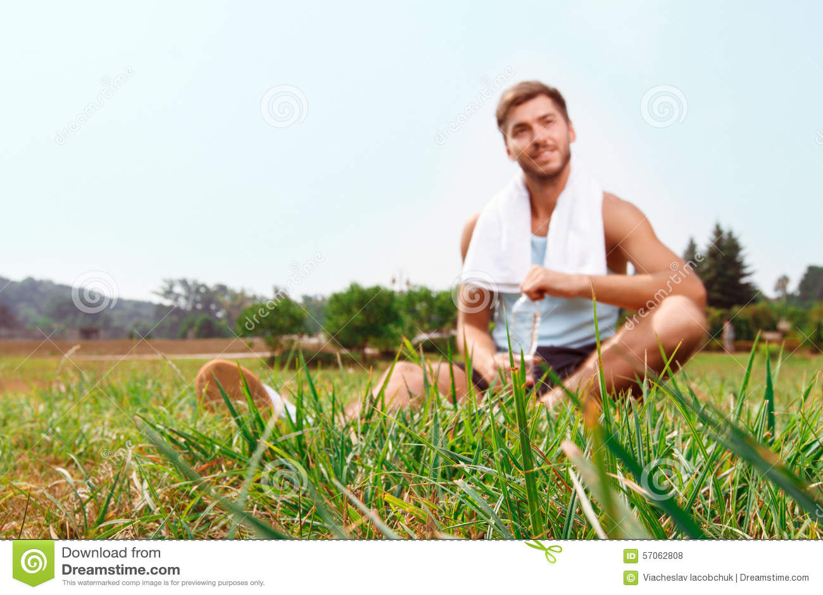 De kerelzitting van Nice op gras