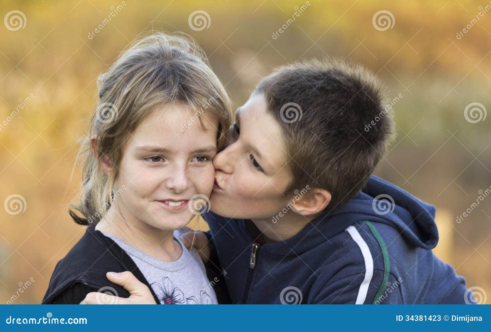 Kussen Voor Kinderen : De kinderen kussen stock afbeelding afbeelding bestaande uit