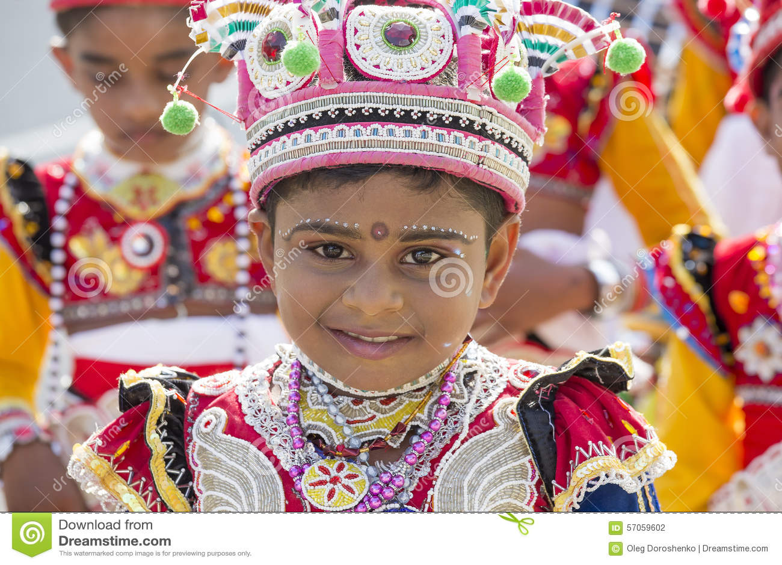 De kinderen van Srilankan betrokken bij het Katina-festival Mirissa, Sri Lanka