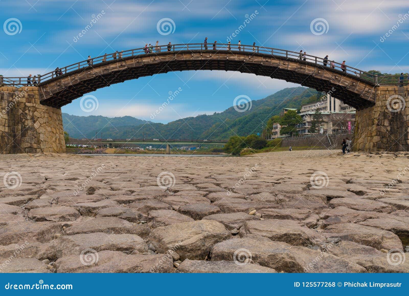 De Kintai-Brug, de historische houten boogbrug