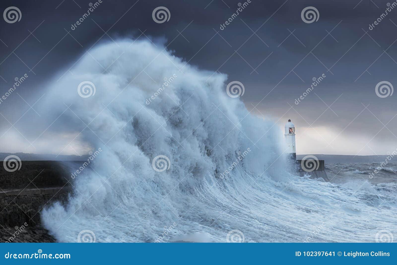 De klappen Porthcawl van orkaanbrian