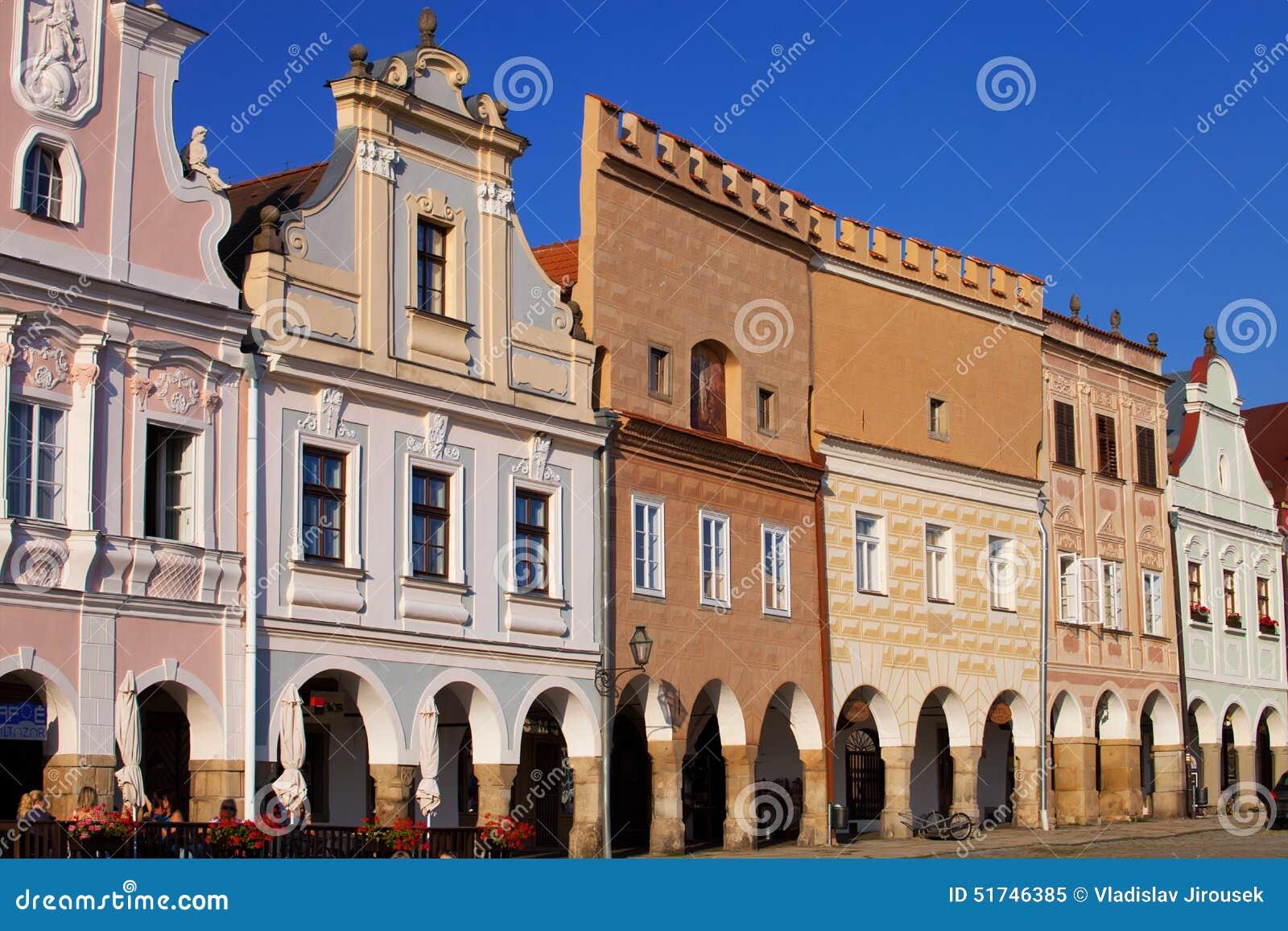 De kleurrijke huizen van de renaissancestijl in telc vierkant tsjechische republiek - Huizen van de wereldbank ...