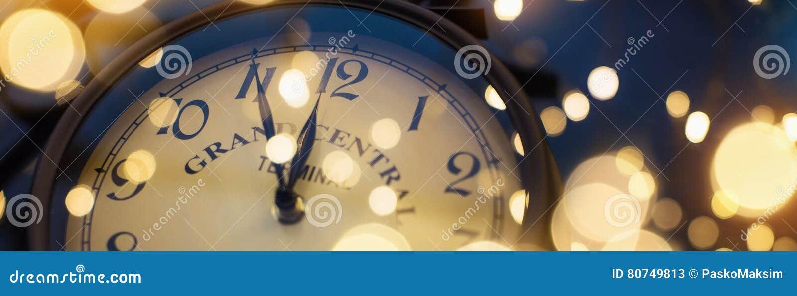 De klok van twaalf o ` op Nieuwjaar` s Vooravond