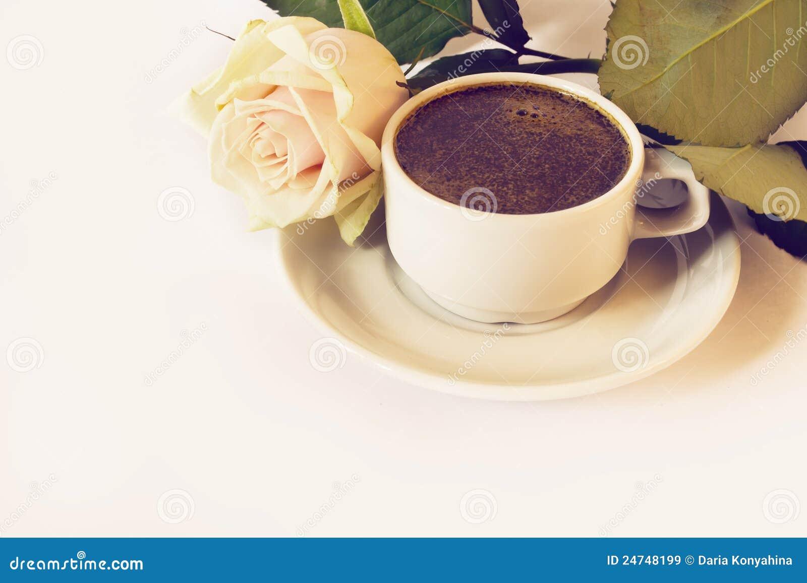 De kop van koffie en nam toe