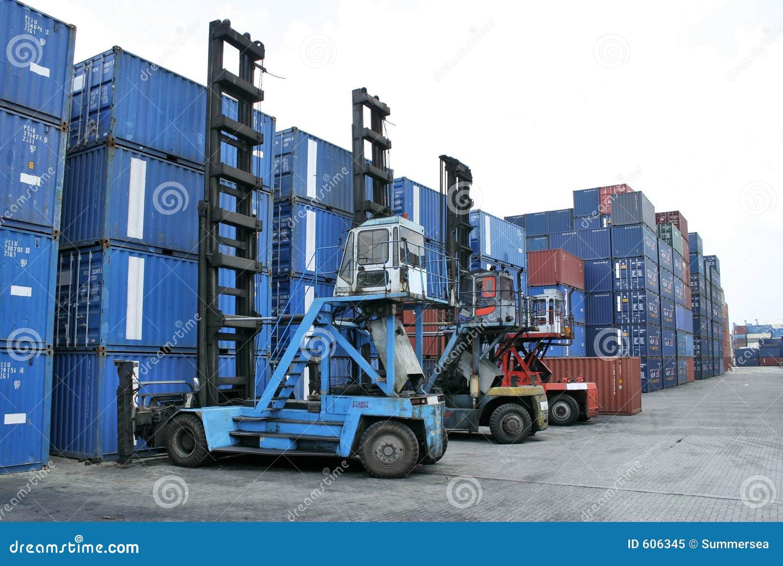 De kraan van de container