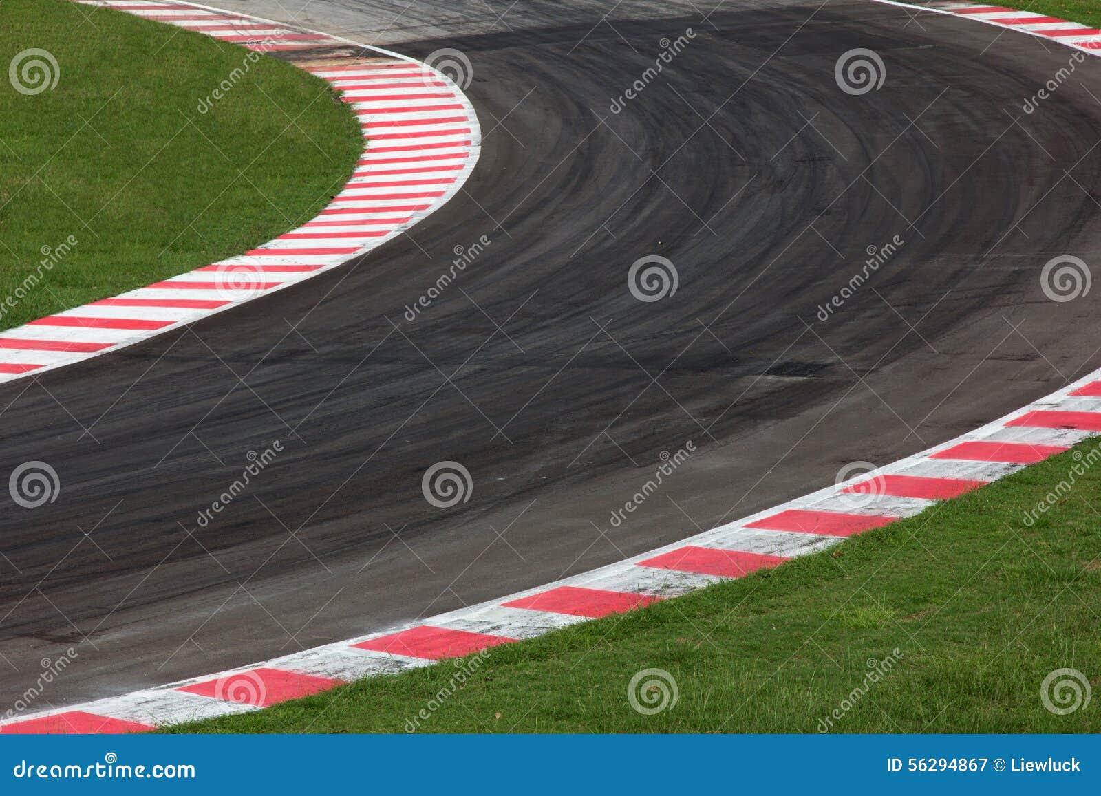De krommeweg van het rasspoor