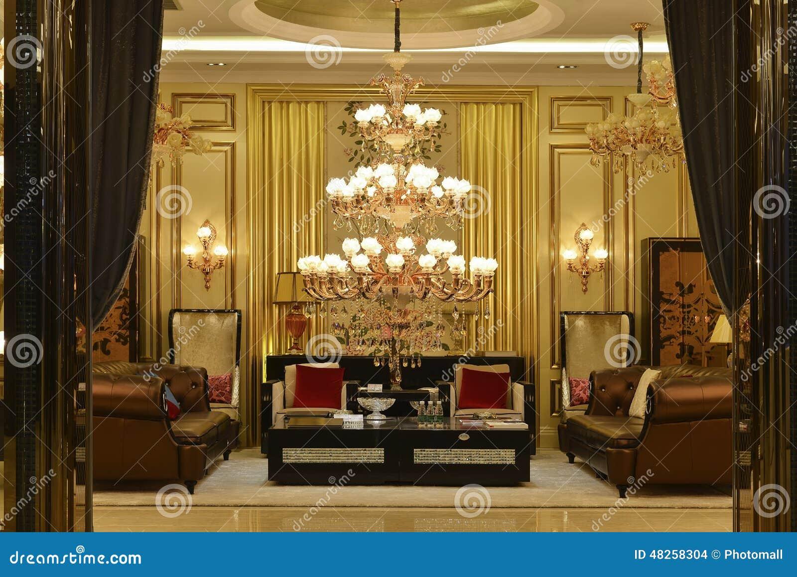 De kroonluchterverlichting van het luxekristal
