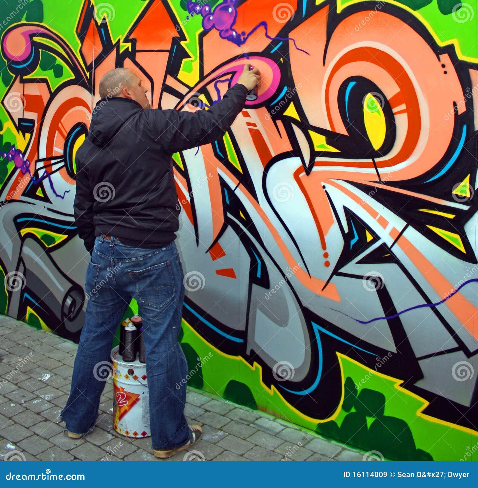 Favori De Kunstenaar Van Graffiti Redactionele Stock Afbeelding  MY63