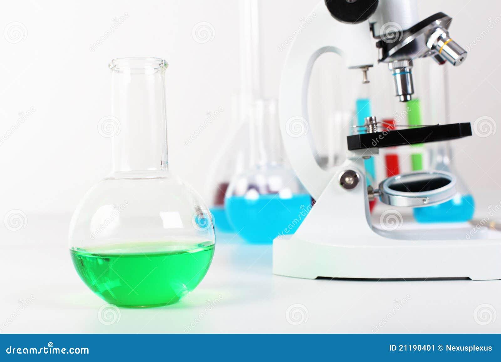 De laborotary apparatuur van de chemie of van de biologie