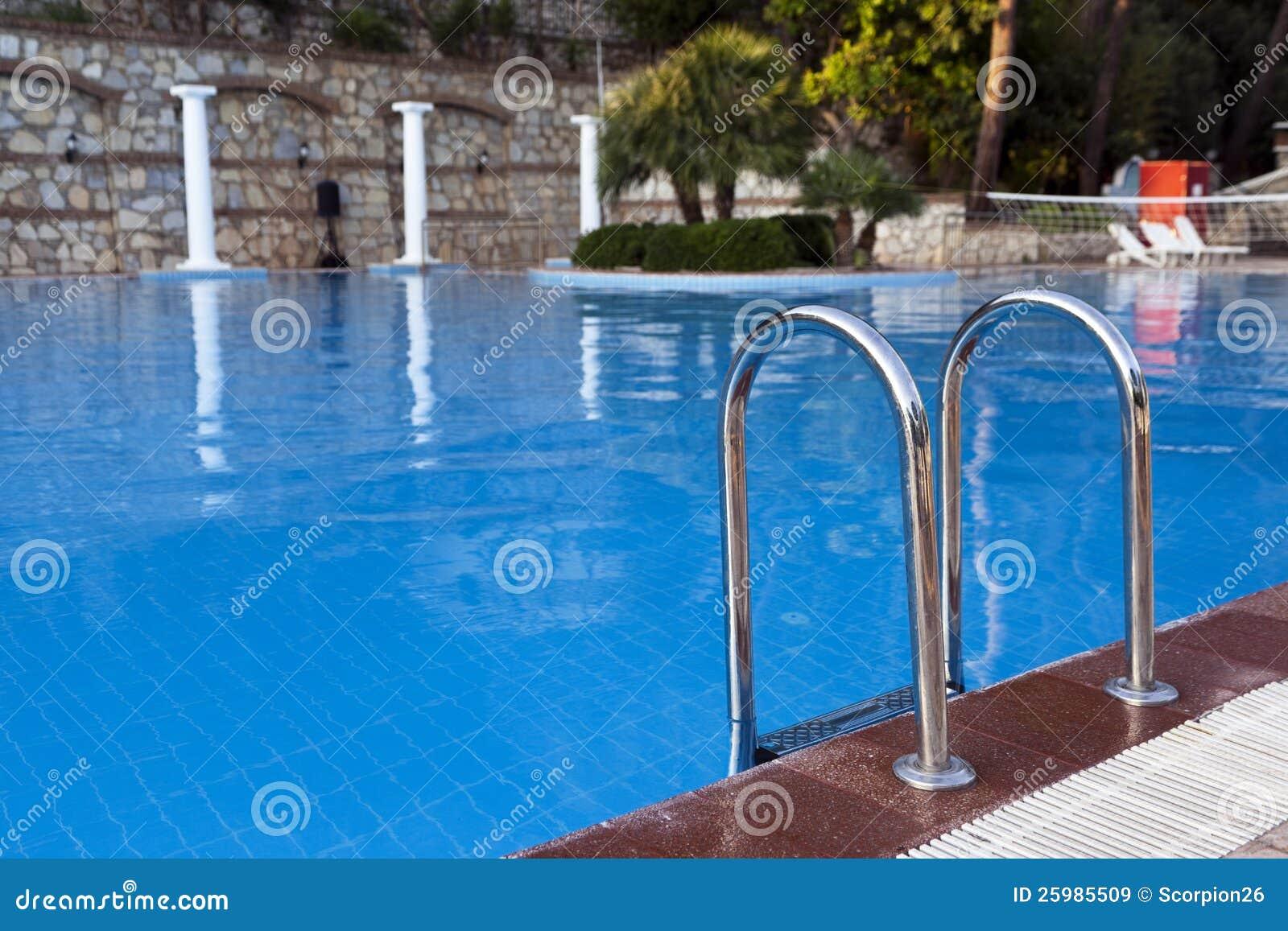 De ladder van de pool