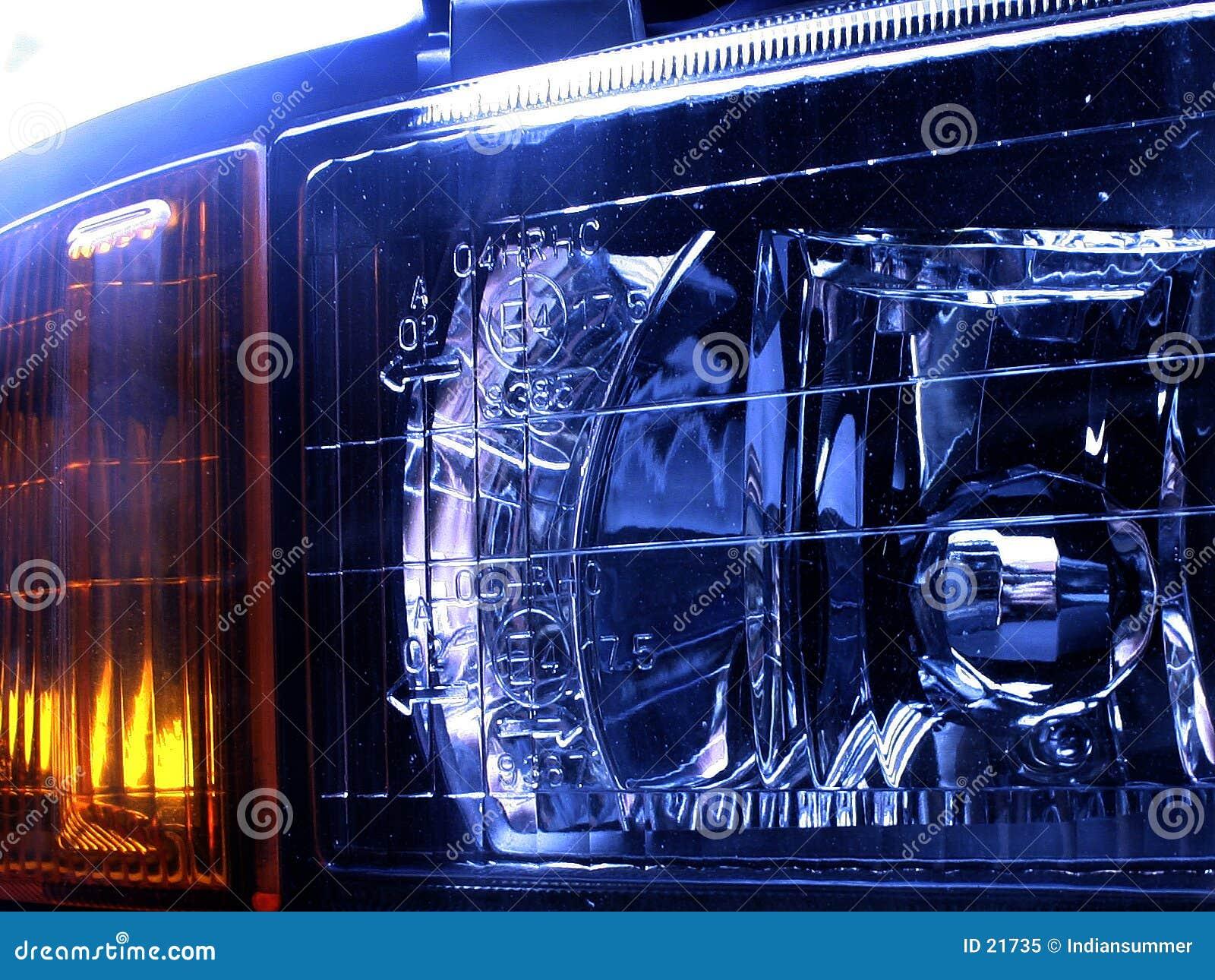 De lampen van de auto