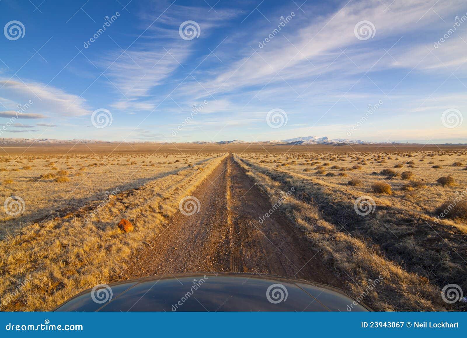 De Landweg van de woestijn met Kap