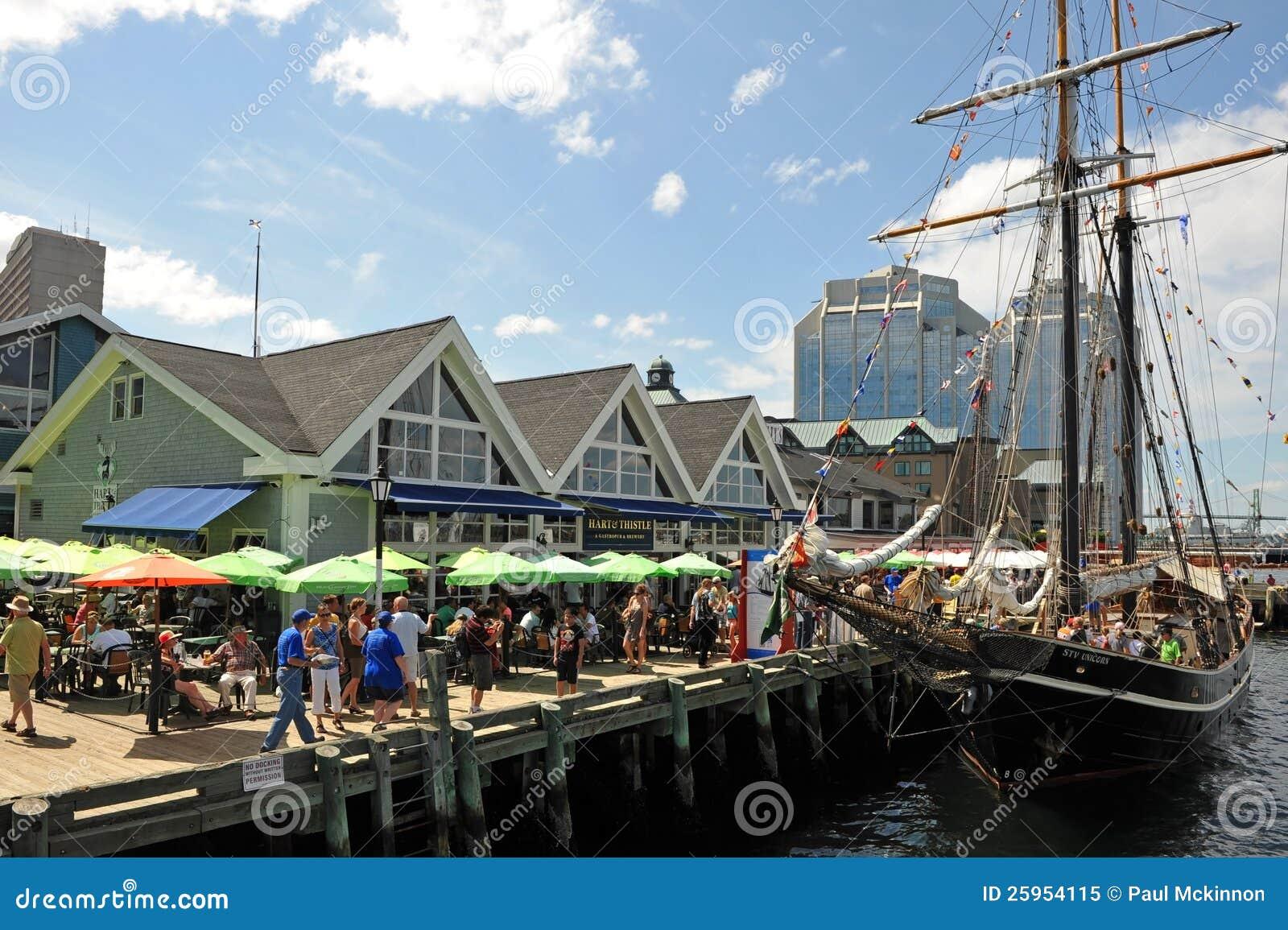De lange gebeurtenis van Schepen in Halifax, Nova Scotia
