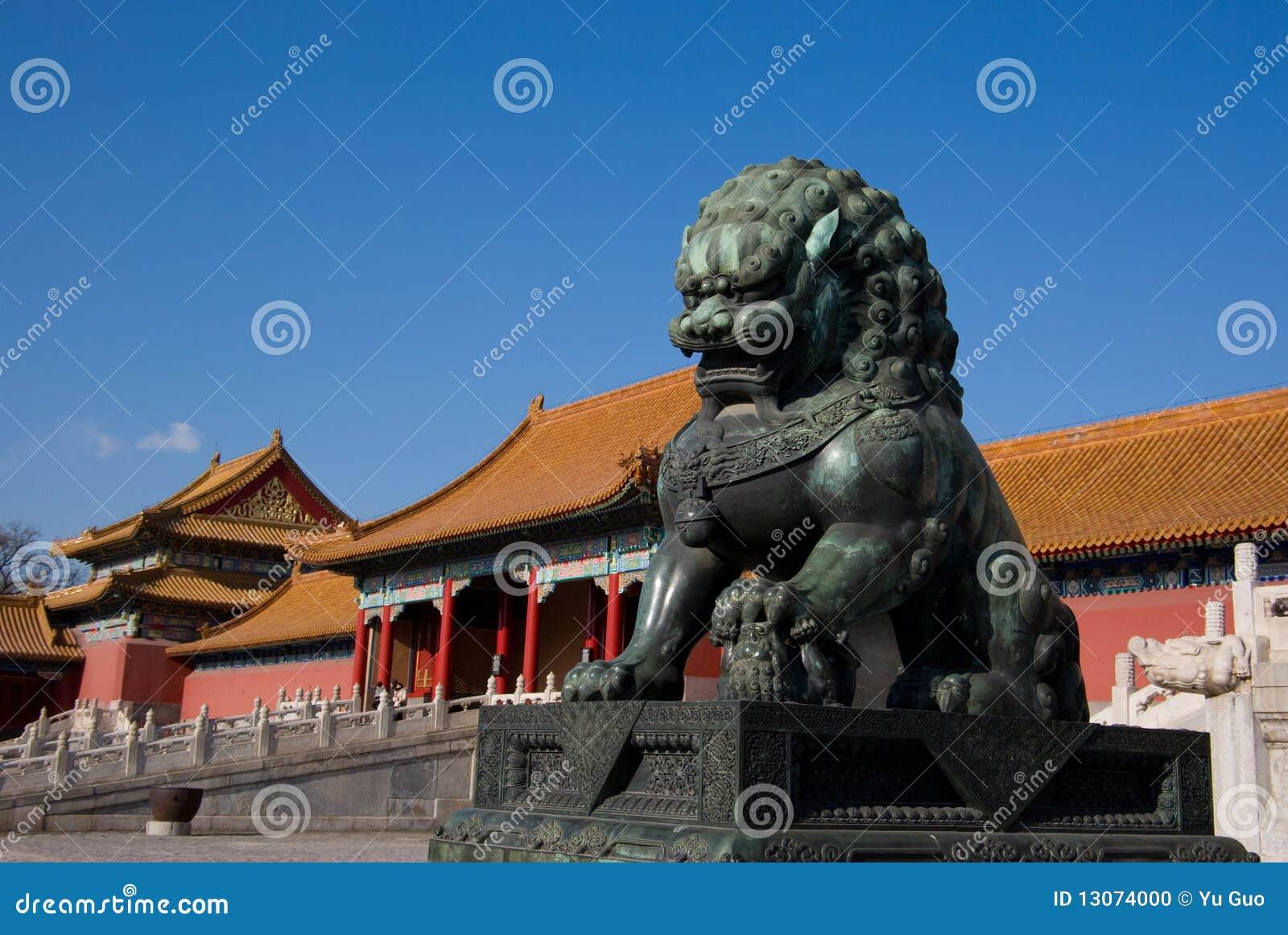 De leeuw van het brons