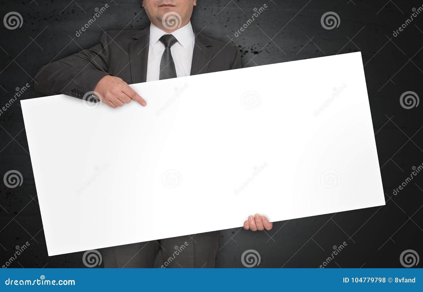 De lege affiche wordt gehouden door zakenman