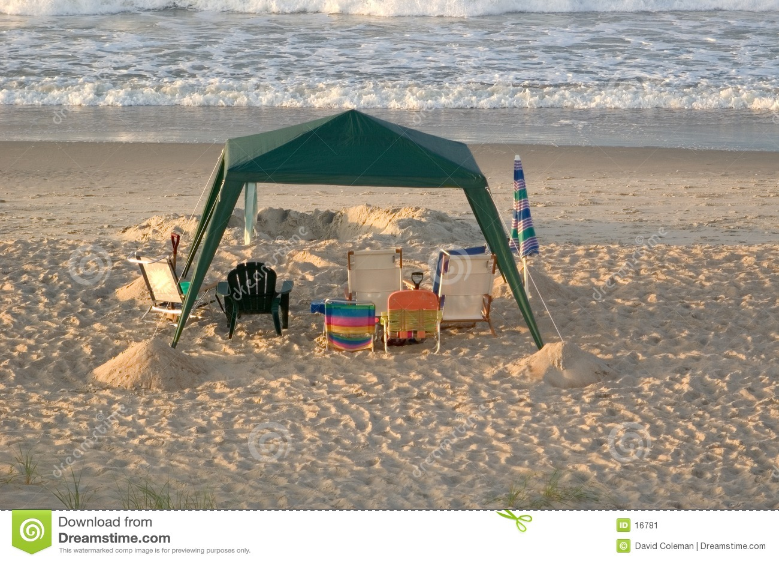 De lege Luifel van het Strand