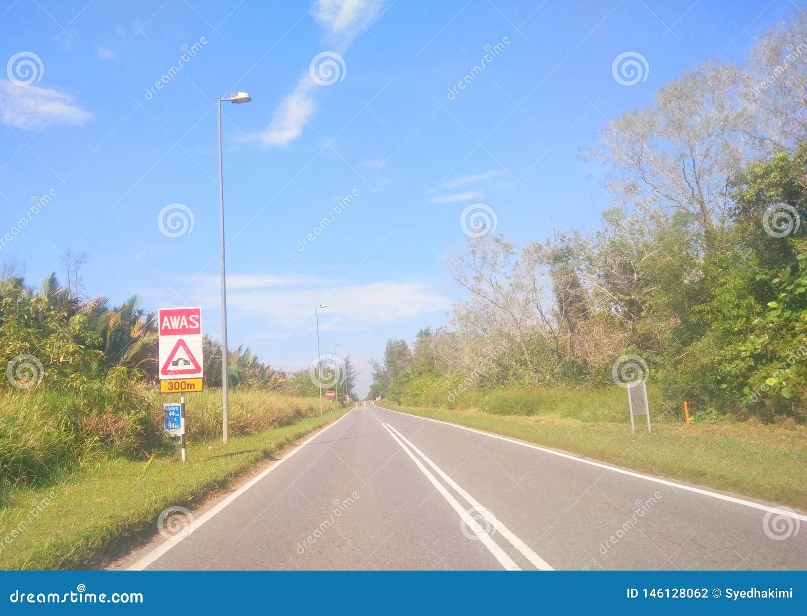 De lege straat van de verkeerstekenraad