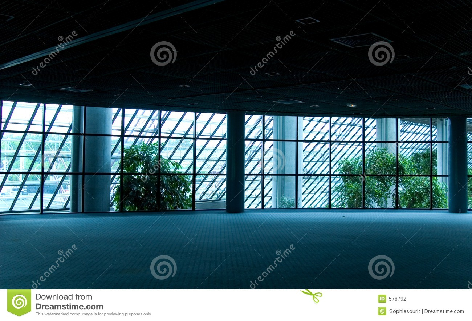 De lege Zaal van de Conferentie