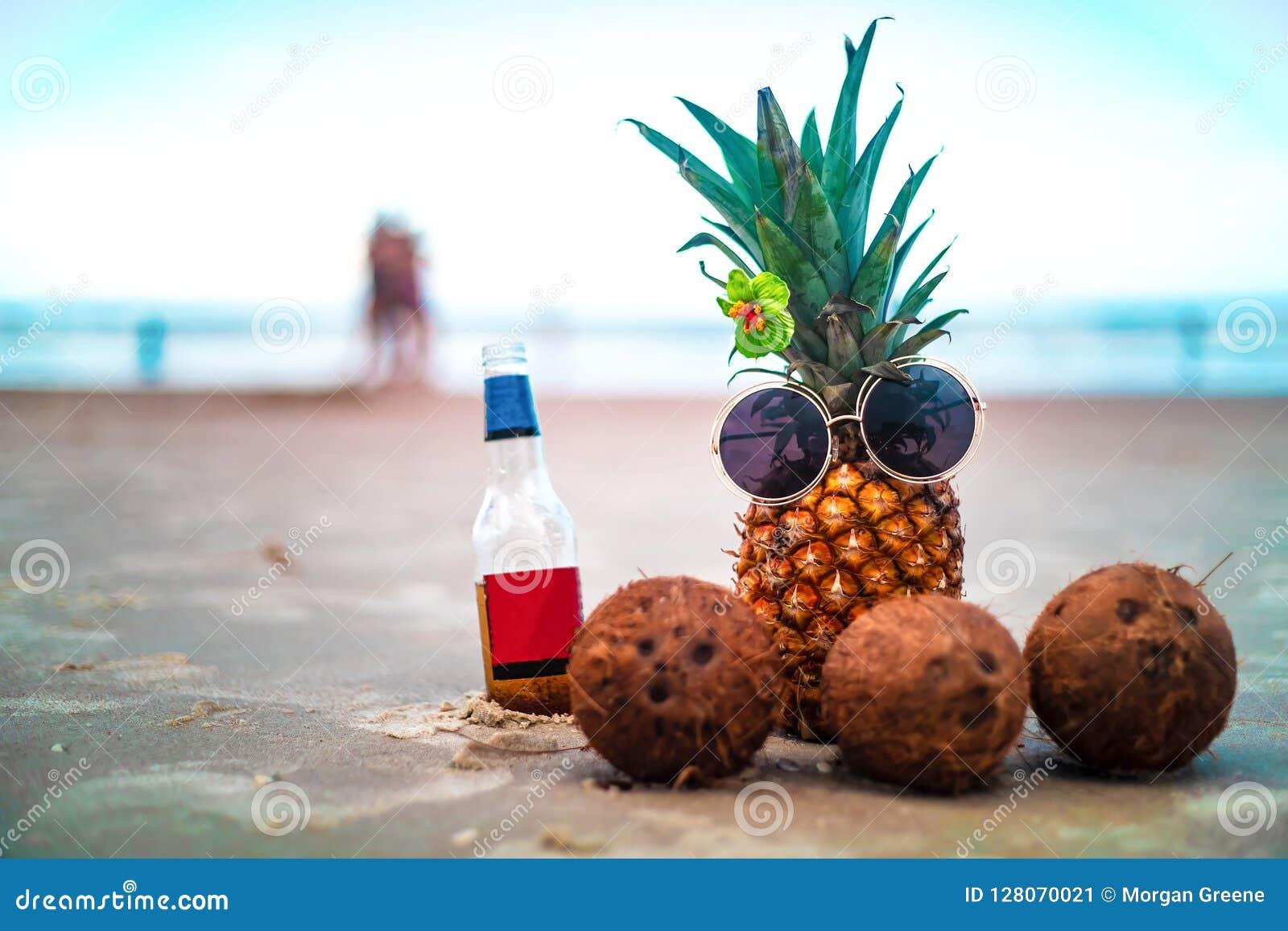 De leuke Bloem van de Ananashibiscus met Kokosnoten op Sunny Beach