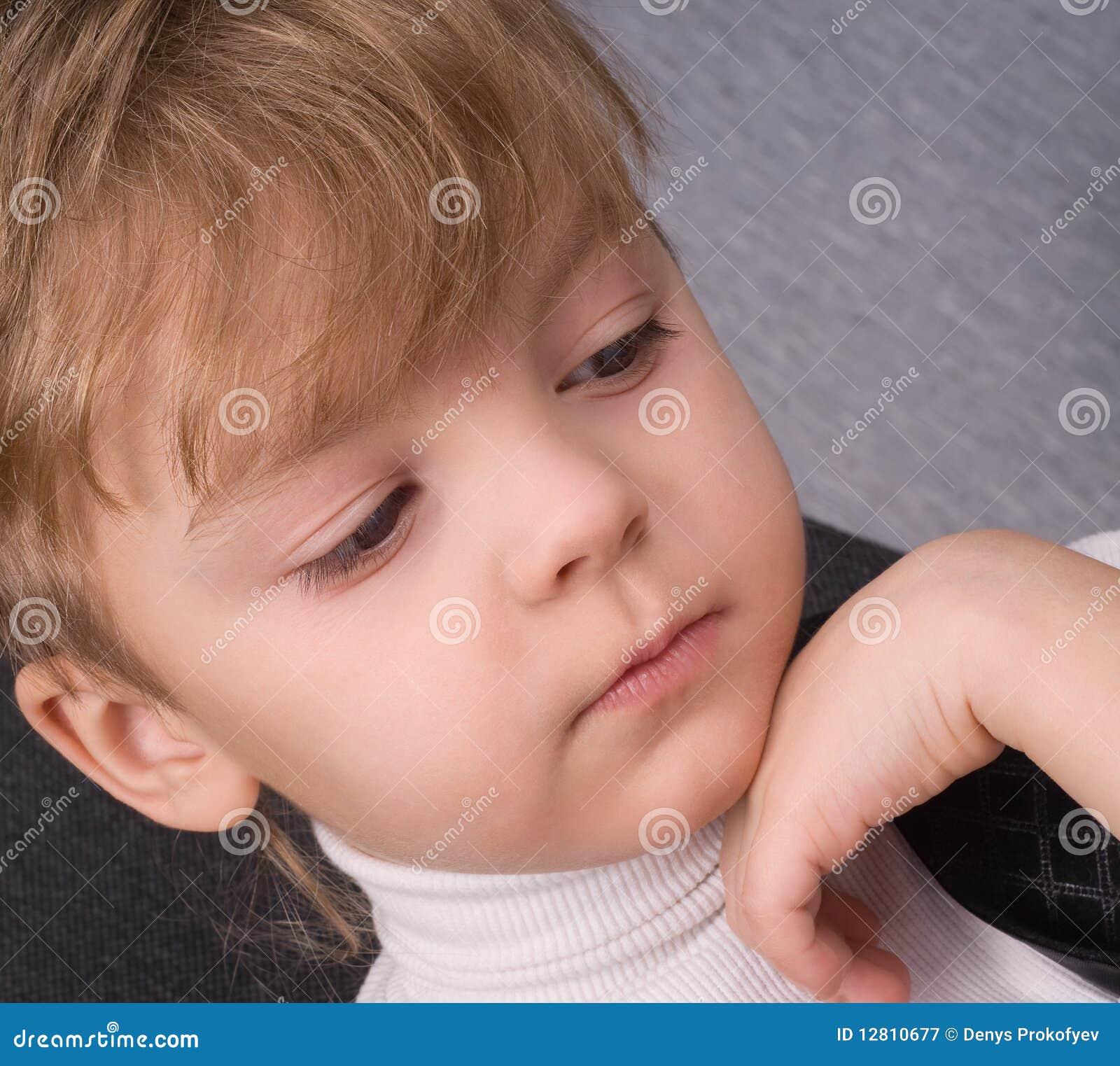 De lezing van de jongen stock afbeelding afbeelding bestaande uit voorzijde 12810677 - Opslagkast ruimte van de jongen ...