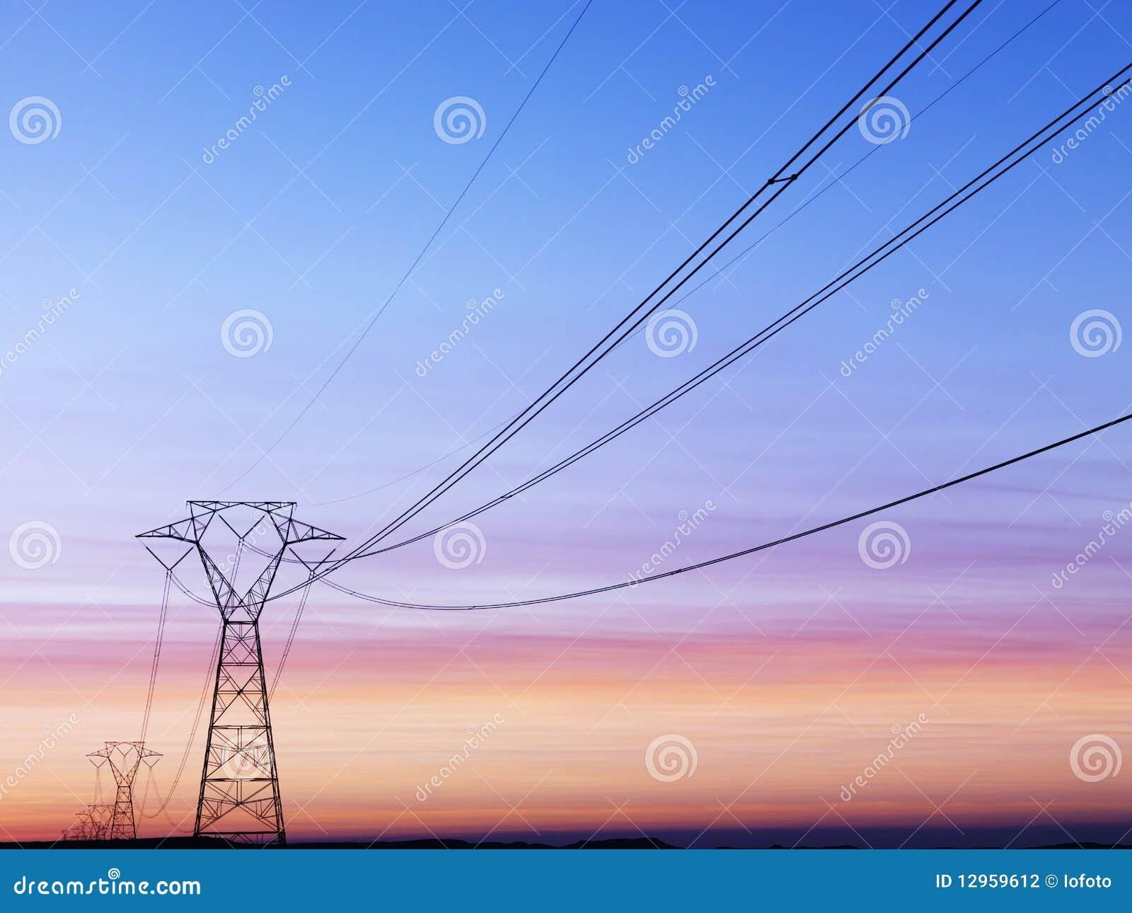 De Lijnen van de macht bij Zonsondergang
