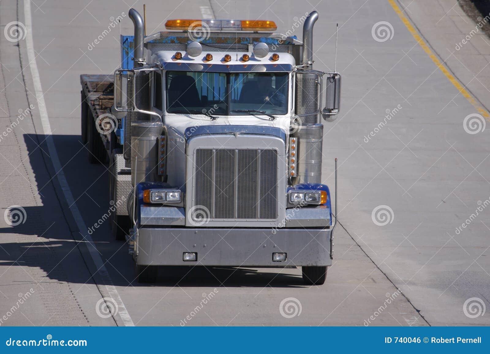 De lit plat camion semi