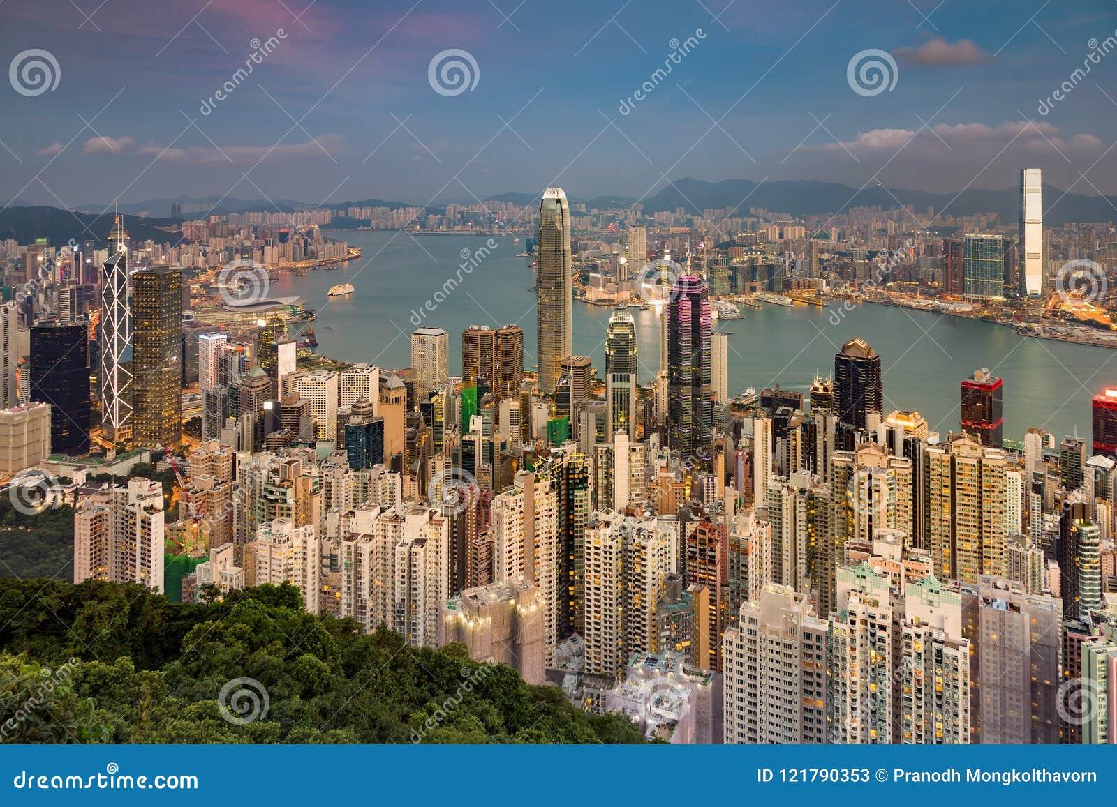 De lucht centrale zaken van de meningshong kong overvolle stad de stad in