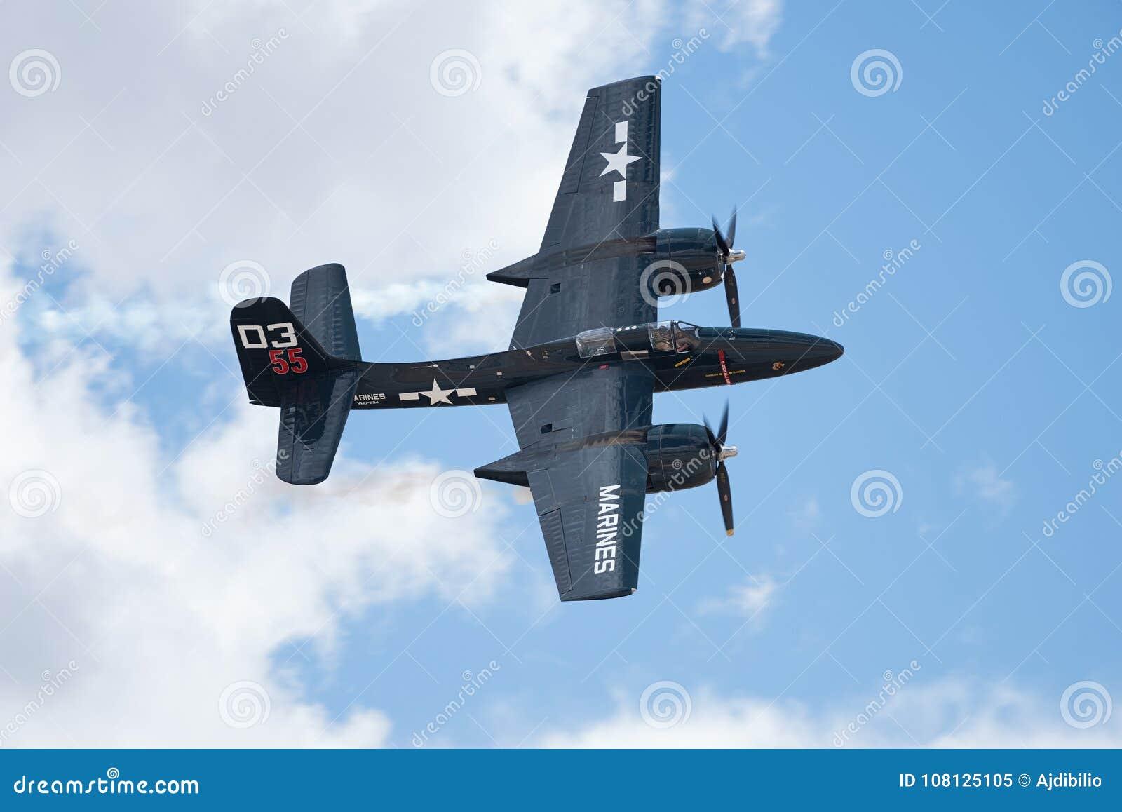 De luchtparade van Grumman F7F-3P Tigercat