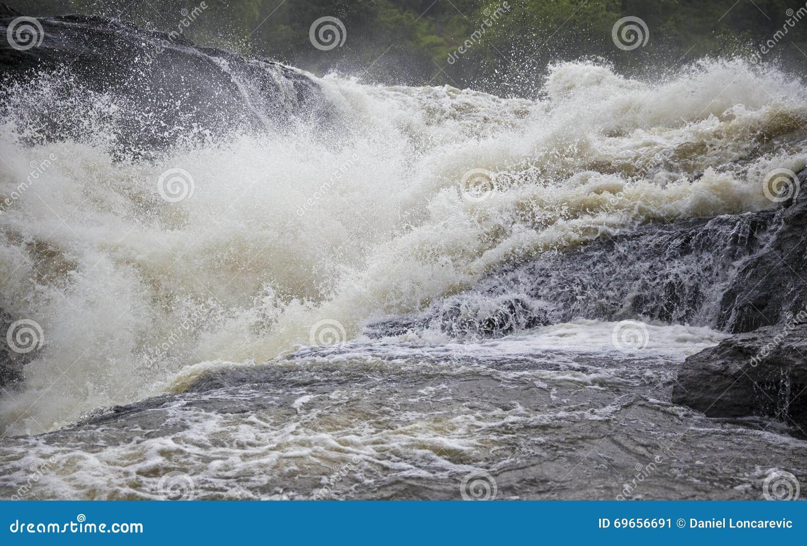 De Macht van Murchison-Dalingenwaterval