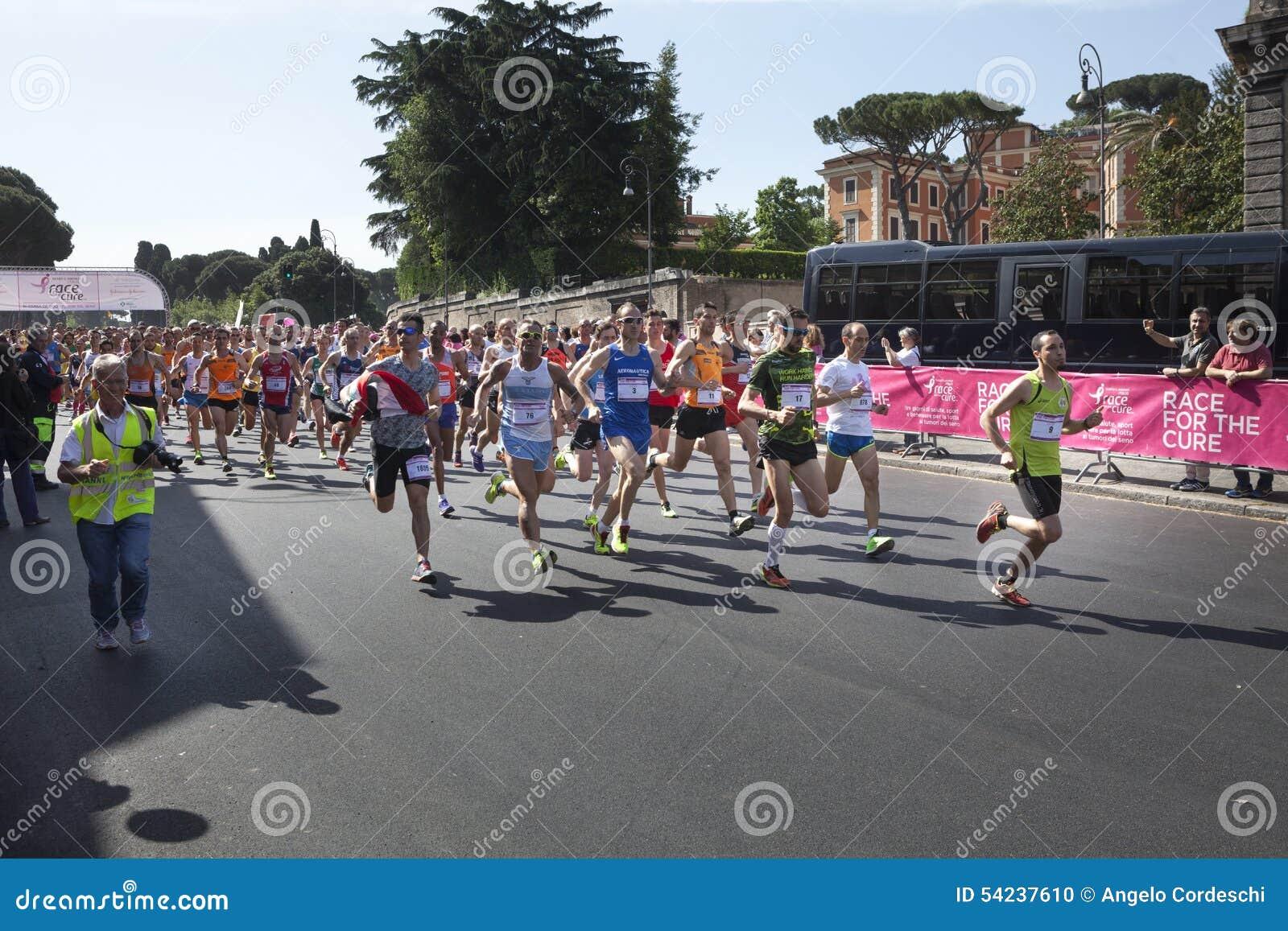 17 de maio de 2015 Raça para a cura, Roma Italy Raça contra o câncer da mama