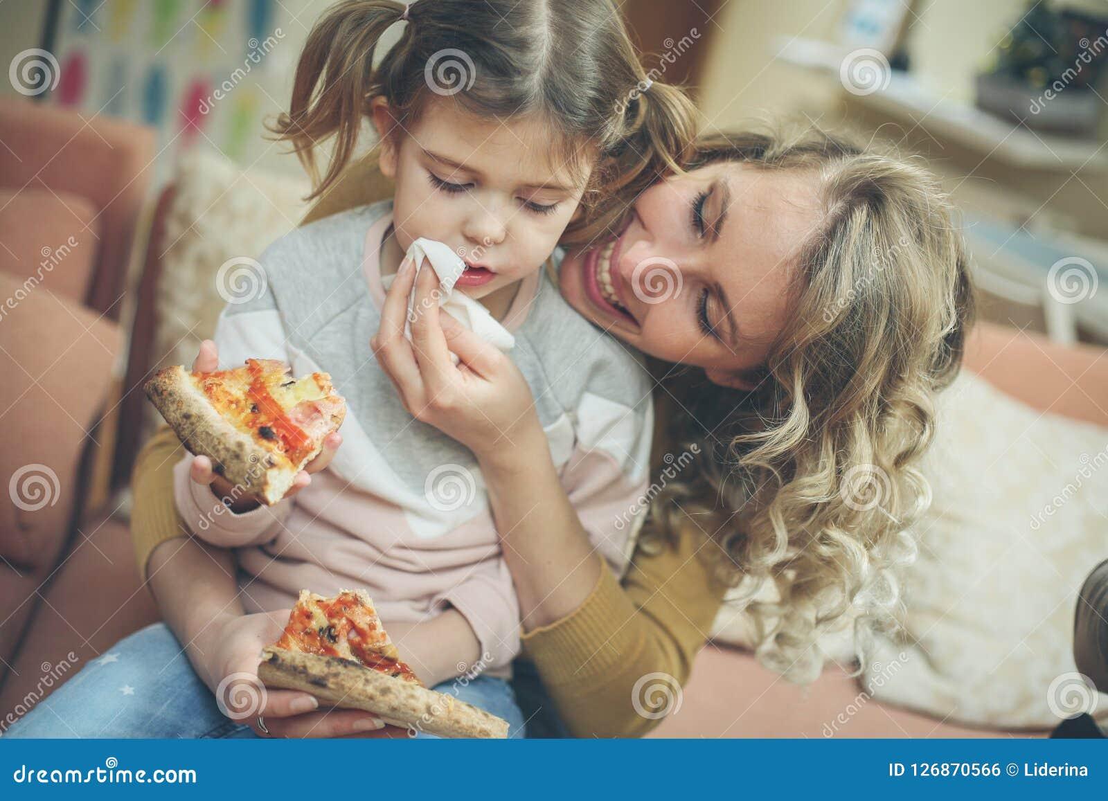 De mama u bereidt ooit de beste pizza voor