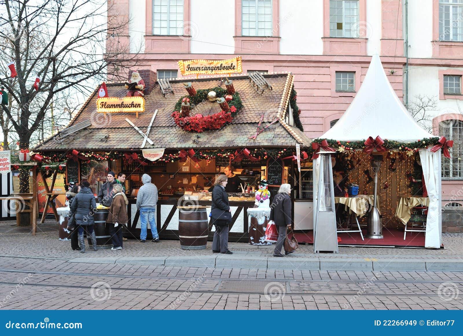 De markt van Kerstmis in dag